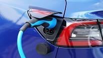 Pro e contro auto ibrida plug in