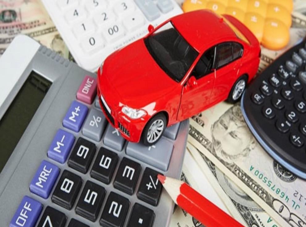 Assicurazione auto a km: come funziona, a chi conviene
