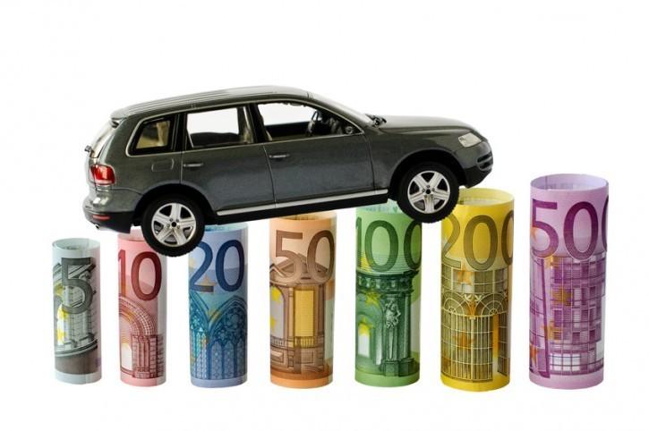Assicurazione auto a rate: cos'è e come funziona