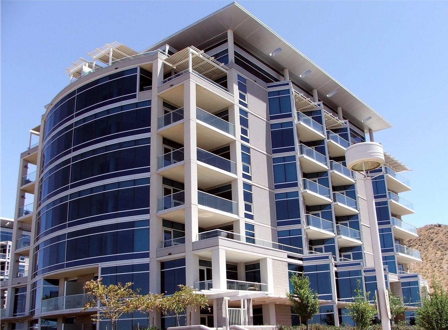 Assicurazione condominio chi paga tra proprietario e inquilino