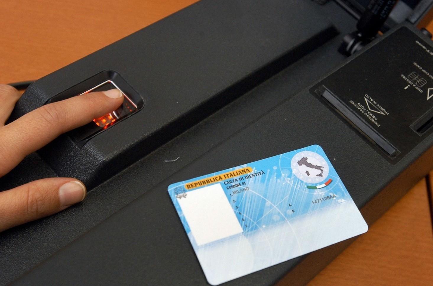 Carta di identità elettronica, come fare richiesta per averla. Tempi rilascio, documenti, costi