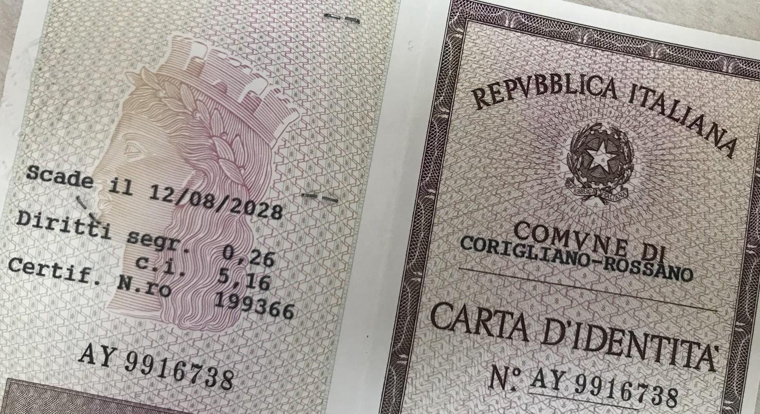 Carta di identità persa, rubata o rovinata. Cosa fare e come avere duplicato. Costi e documenti necessari