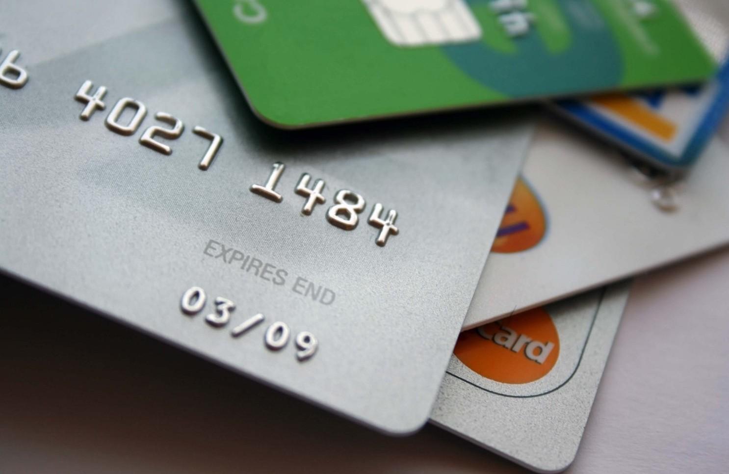 Carte prepagate 2019-2020 costi attivazione, mensili, commissioni prelievi e pagamenti