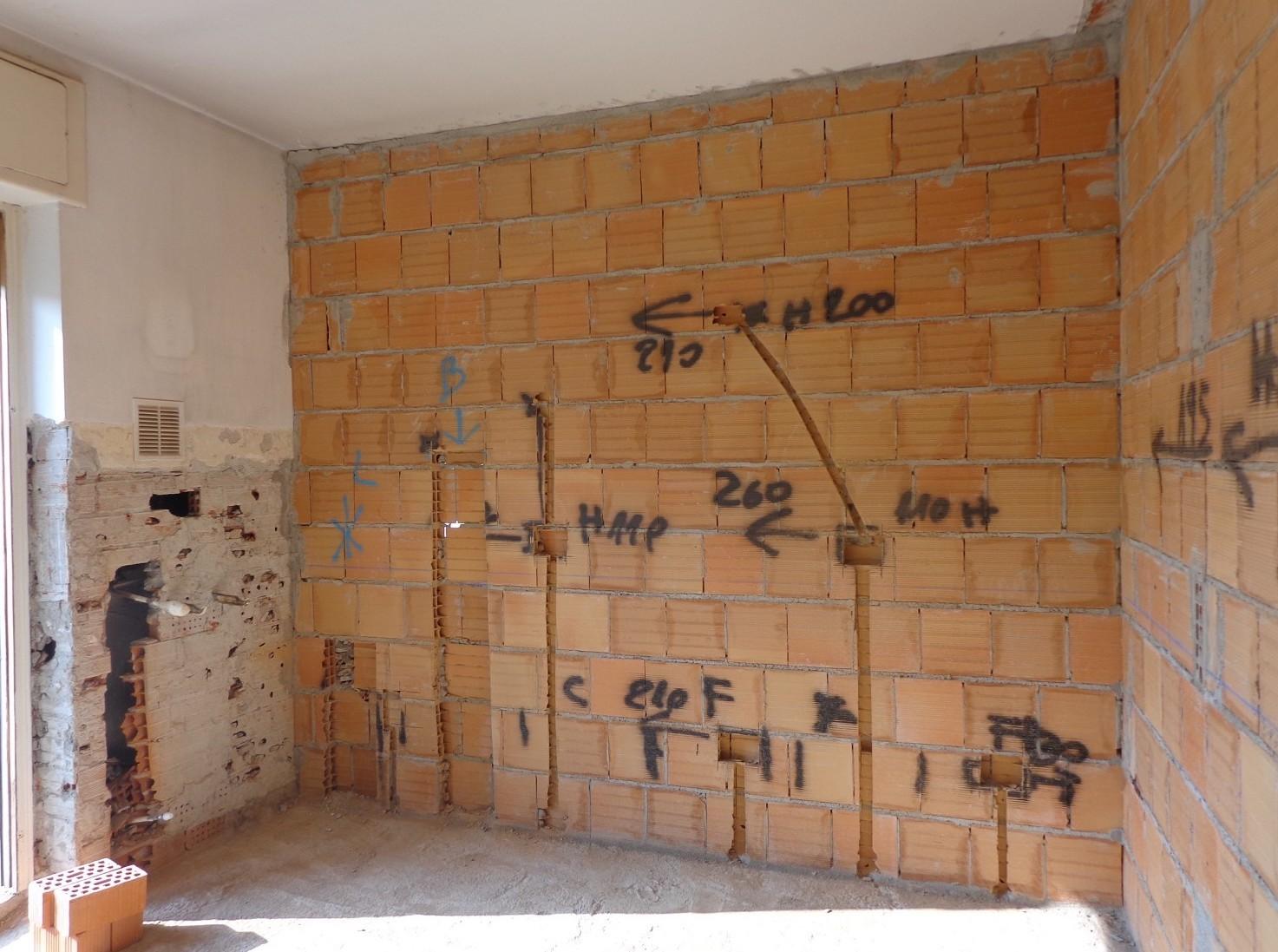 Chi detrae le spese ristrutturazioni casa tra padre e figlio se pagate dal genitore