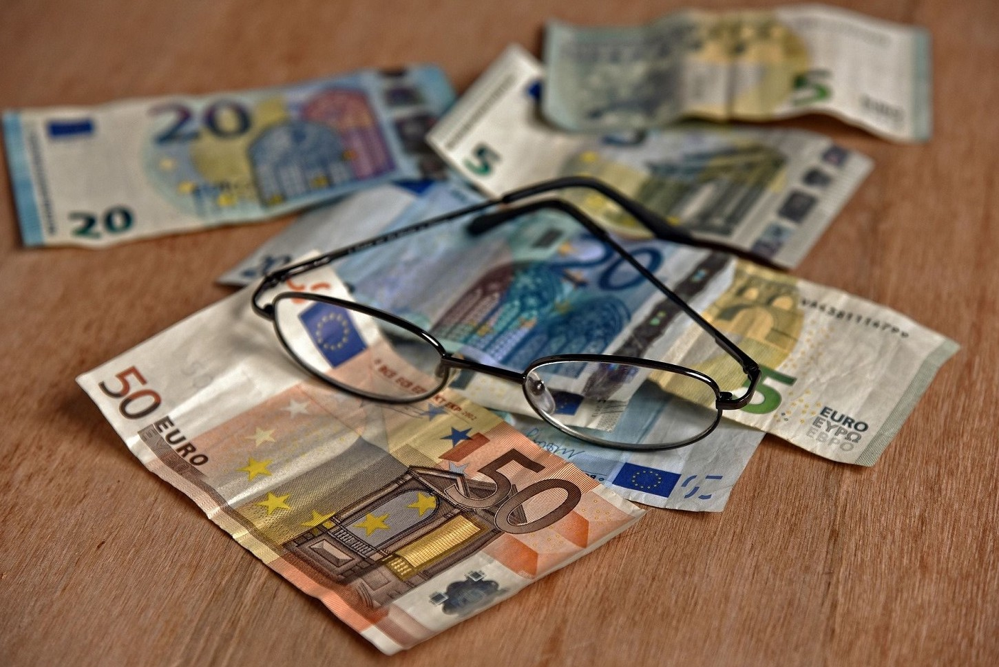 Come fare donazione soldi da genitori a figli e altri parenti senza rischi controlli Agenzia Entrate