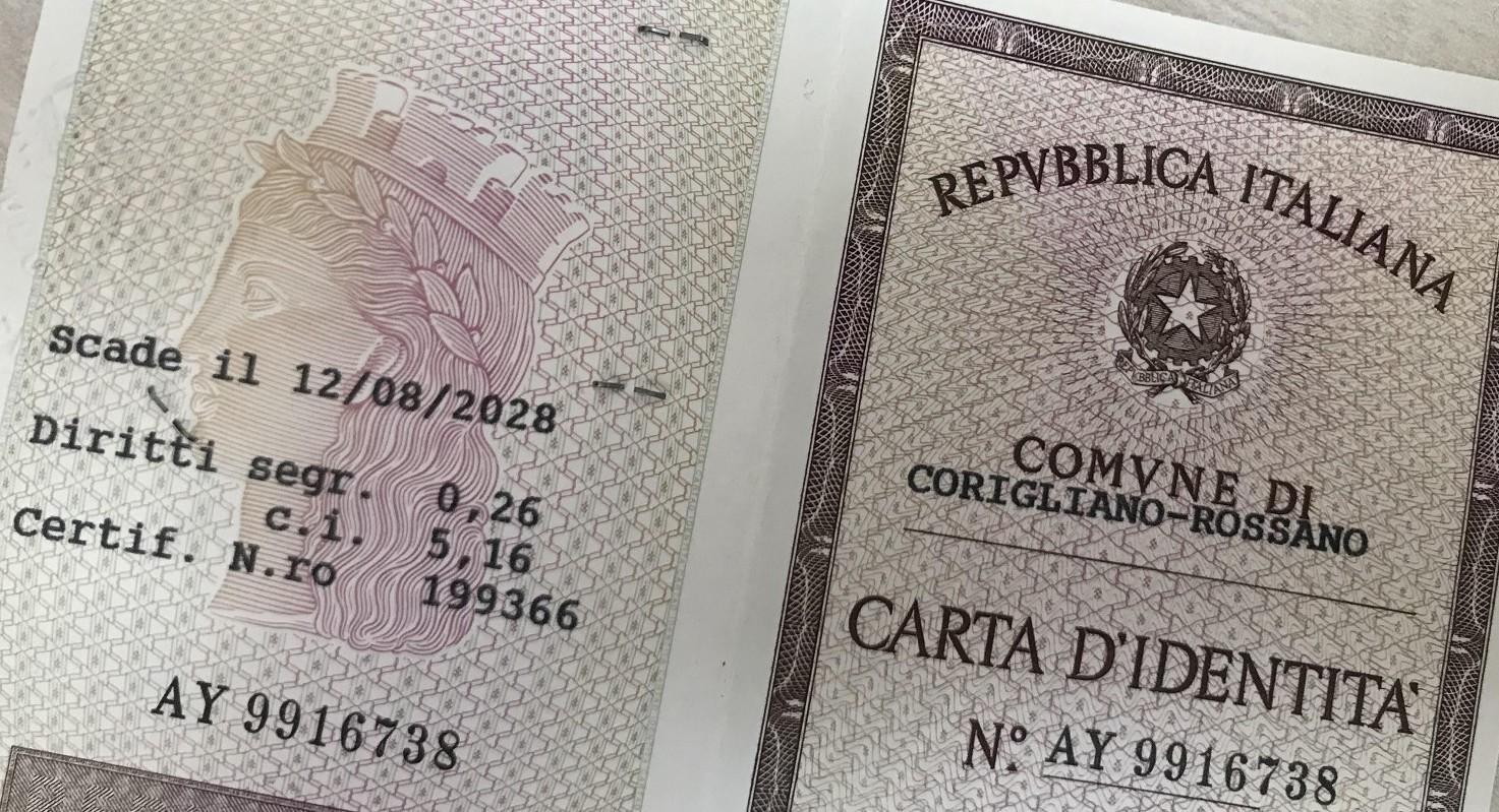 Come fare rinnovo carta di identità scaduta: tempi rilascio, costi, cartaceo o elettronica