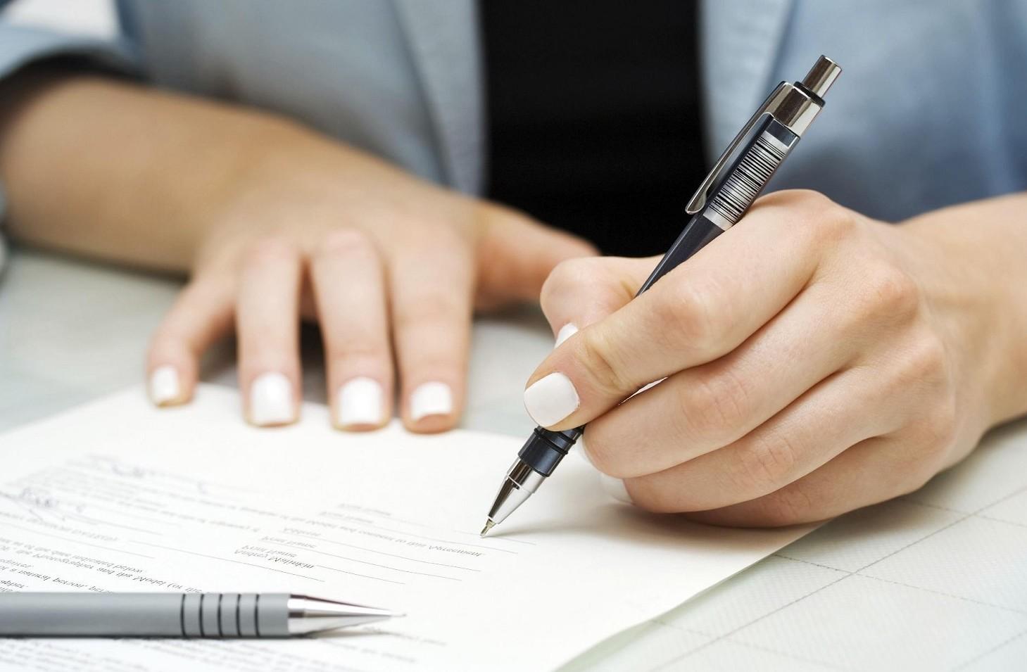 Come funziona la firma digitale su un contratto o documento