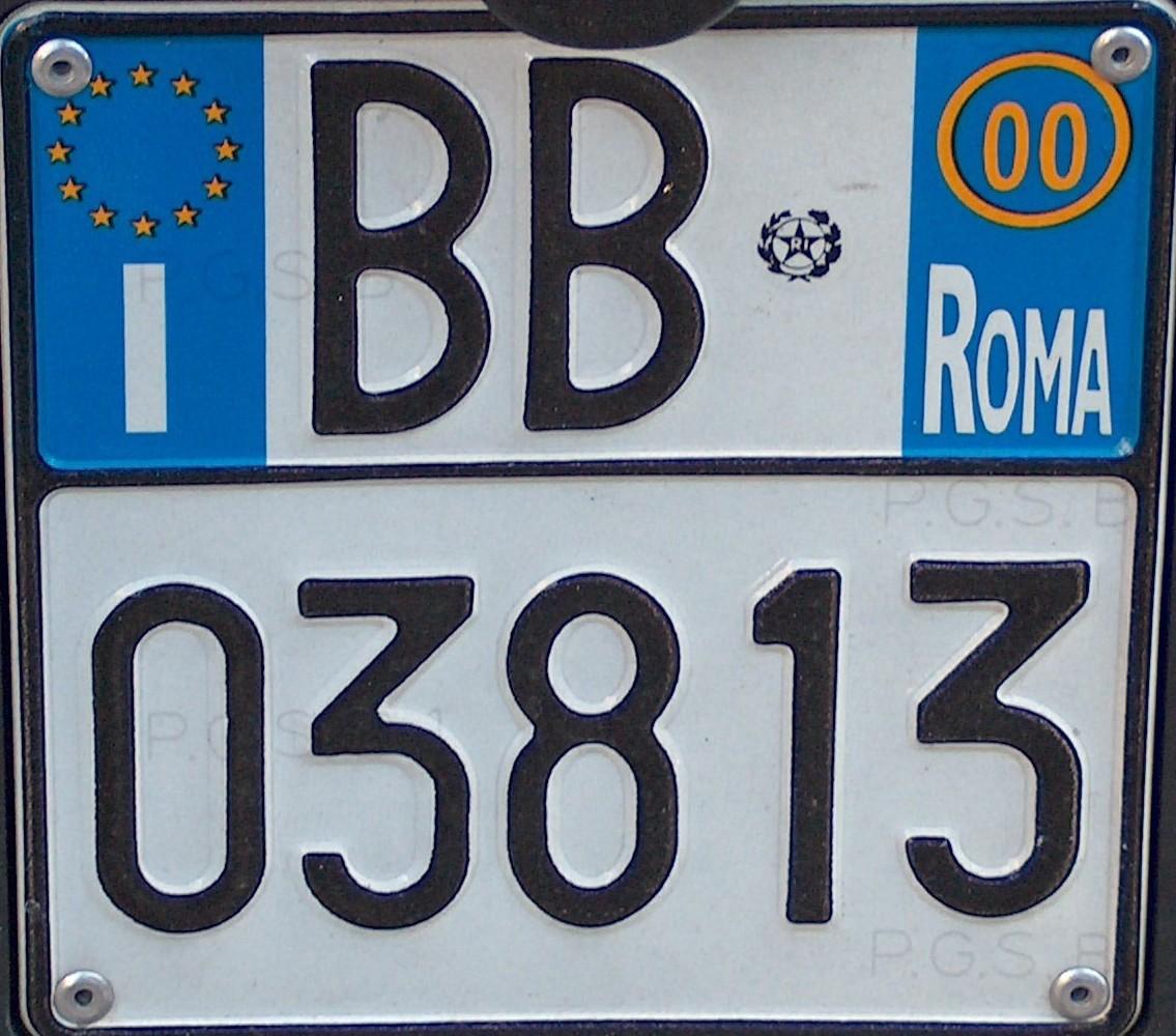 Come funzionano le targhe automobilistiche italiane?