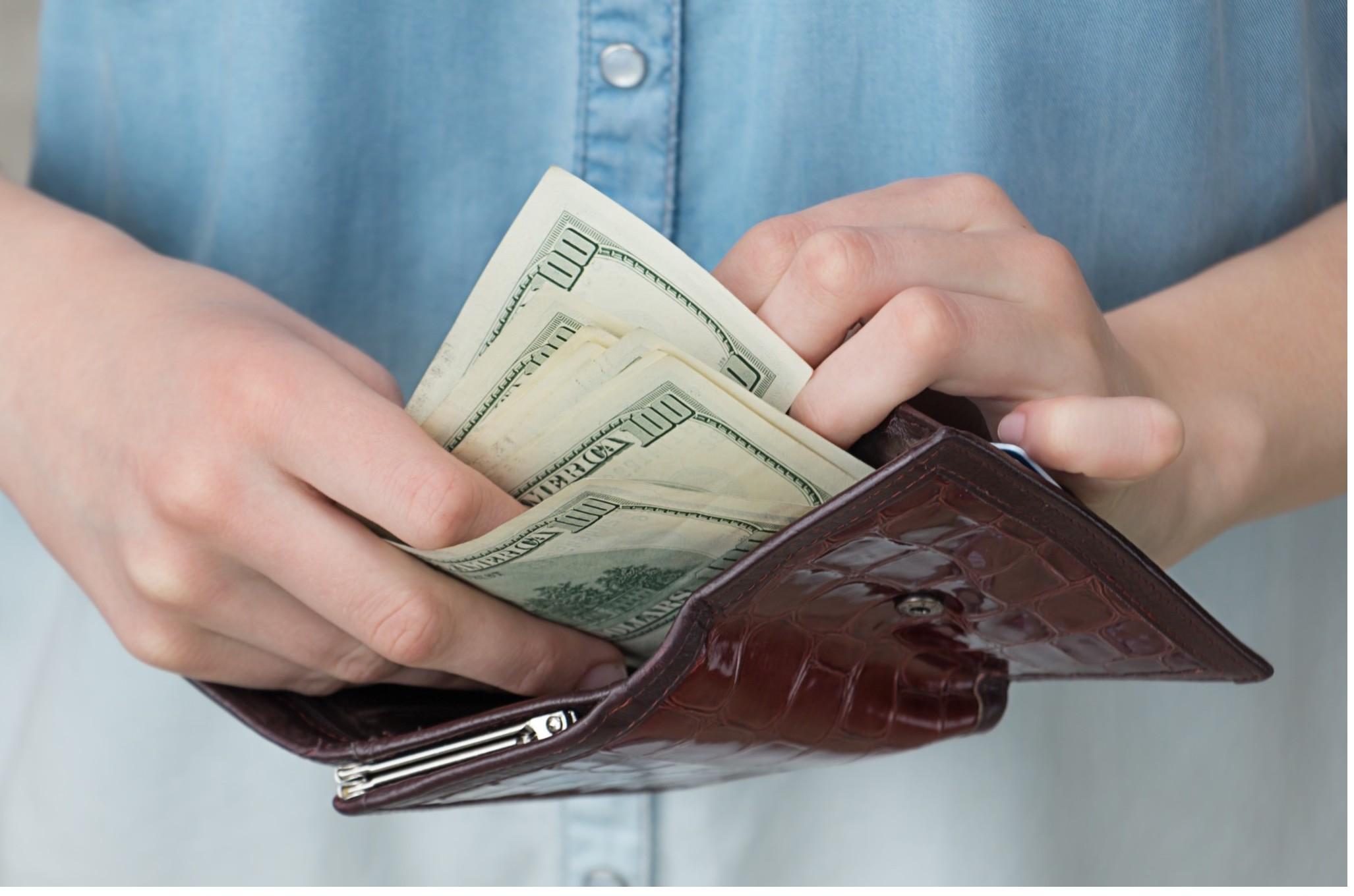 Come recuperare i soldi di un debitore, di una persona che deve dei soldi non ancora pagati