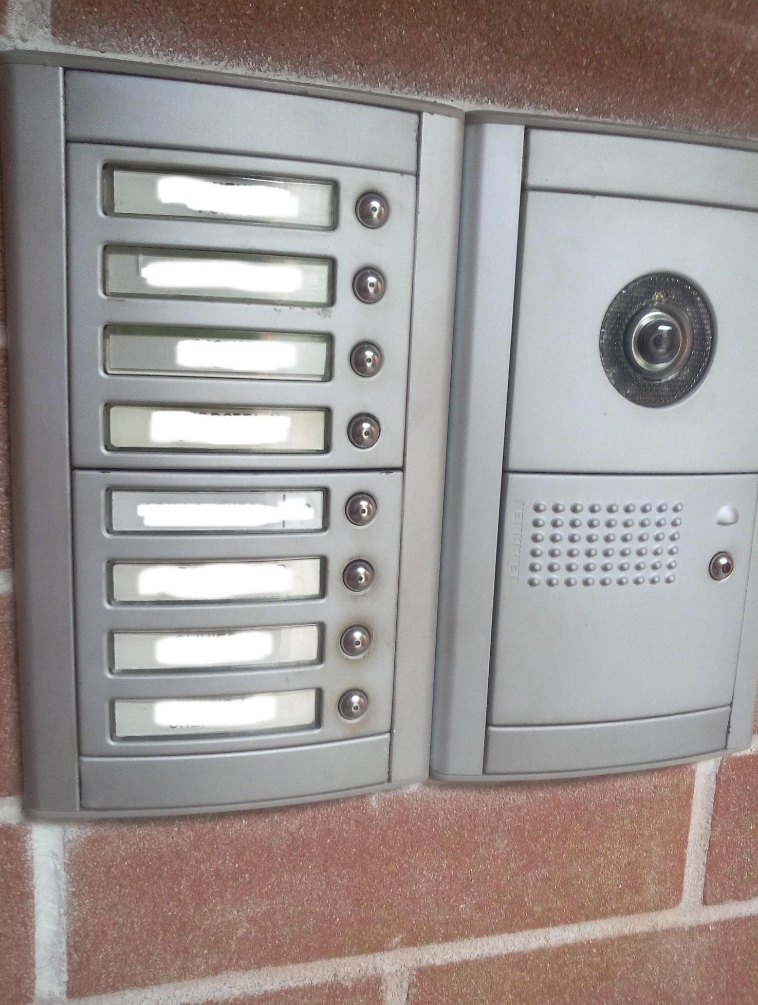 Come si dividono spese citofono in condominio per sostituzione