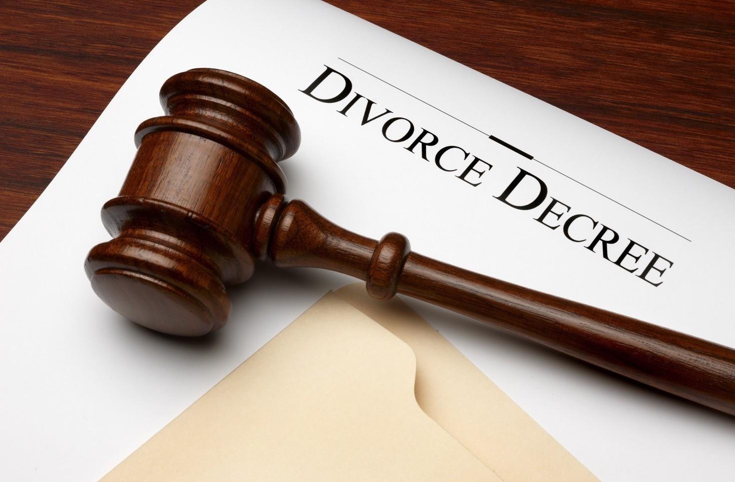 Come si può cambiare la sentenza di separazione e divorzio del giudice