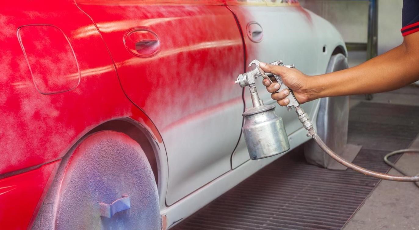 Come verniciare l'auto da soli: guida passo-passo