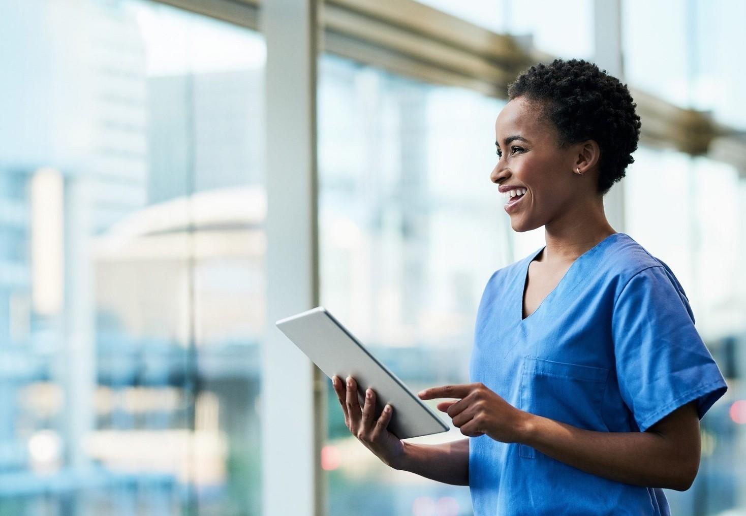 Contratto infermiere privato stipendi, livelli, ferie, permessi, malattia, licenziamento, straordinari