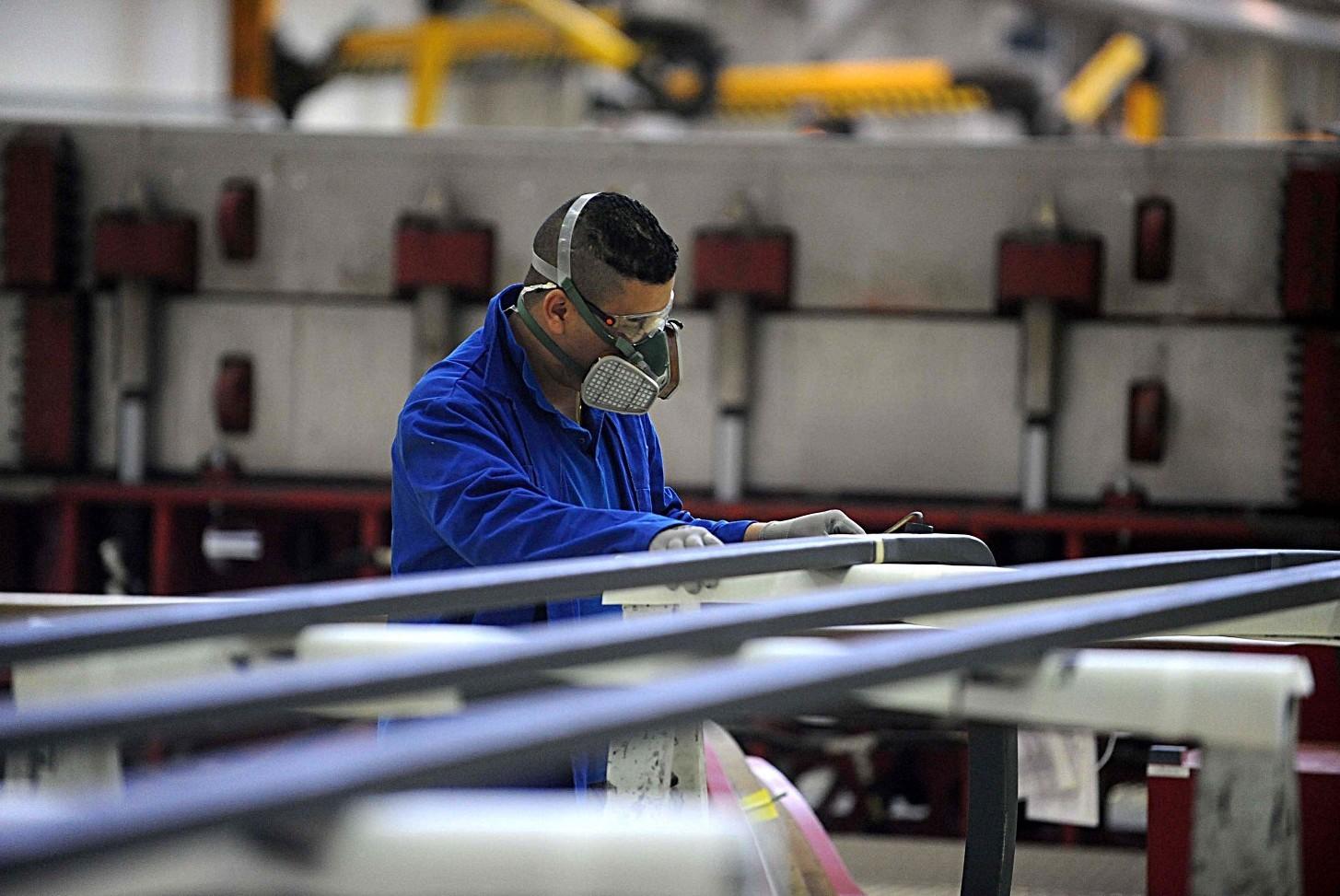 Contratto metalmeccanici 2020 orari, turni e riposo, lavoro di notte, reperibilità