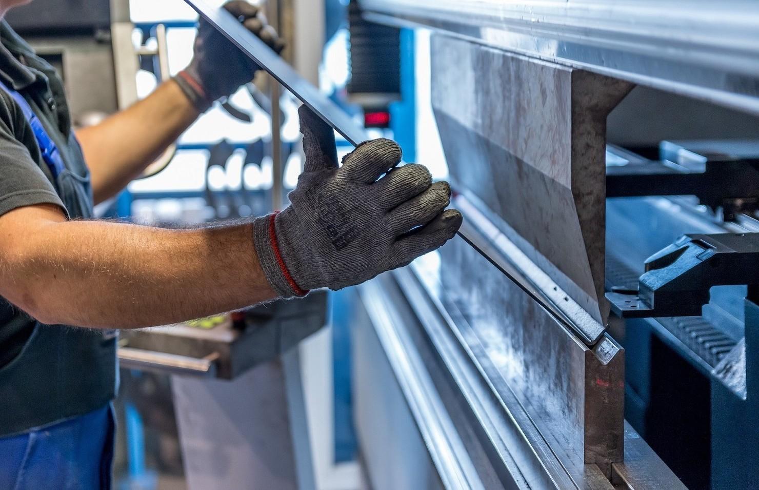 Contratto metalmeccanico, permessi previsti da regole in vigore