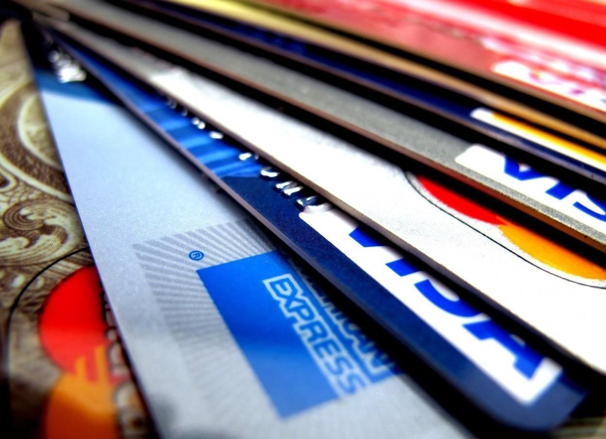 Cos'è e come funziona una carta di credito?