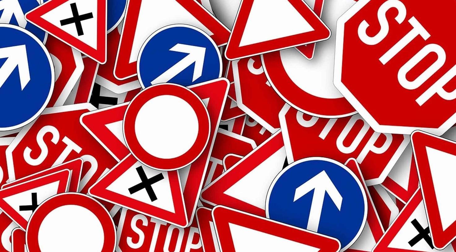 Cosa dice l'articolo 158 del Codice della Strada?