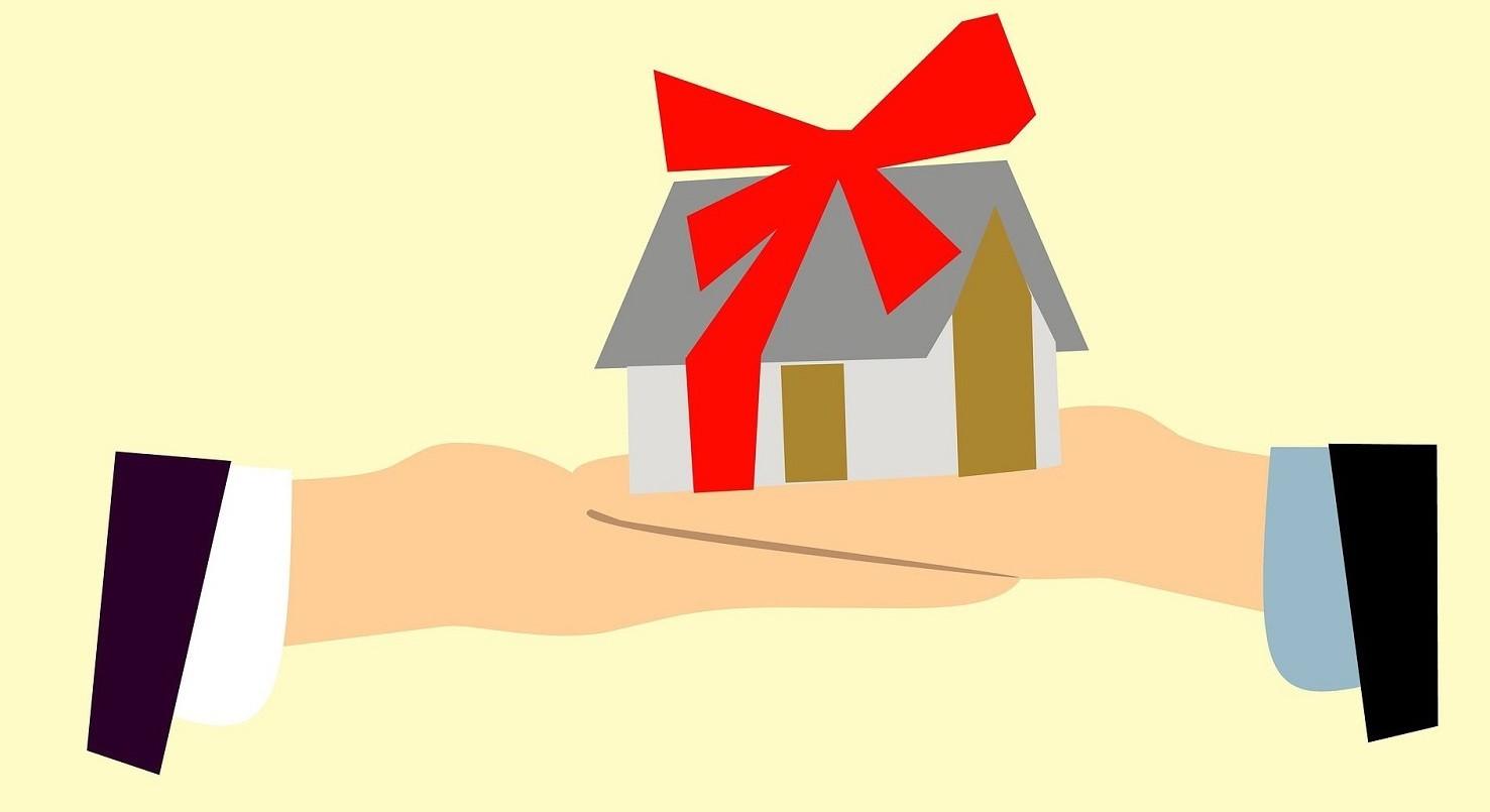 Donazione immobile a figlio senza notaio e tasse si può fare o no. E in quali casi