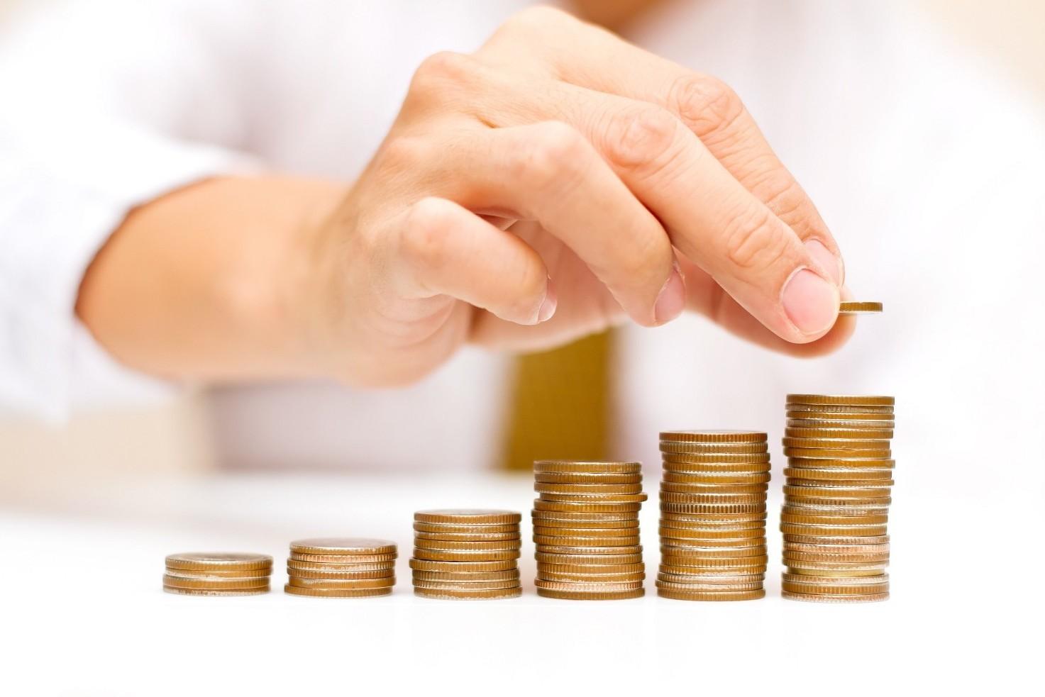 Donazione soldi senza notaio tra parenti, genitori, figli, fratelli e sorelle. Regole e leggi attuali
