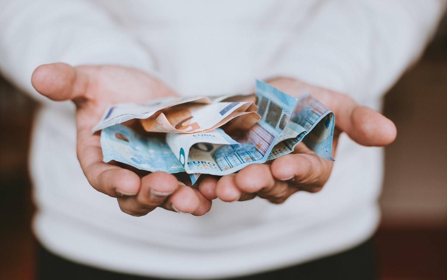 Donazioni a figli e parenti, causale bonifico quale deve essere per essere sicuri