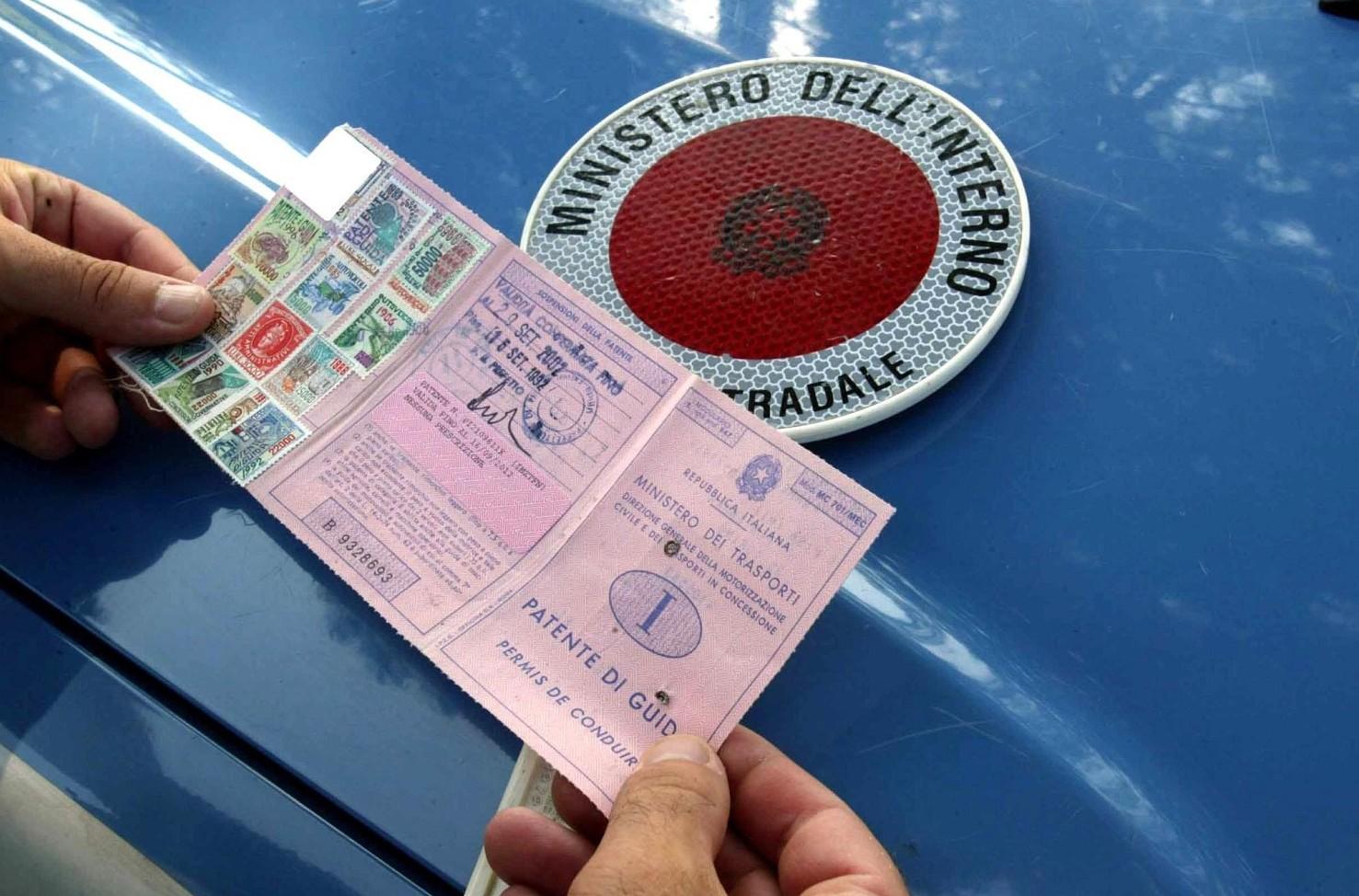 Foglio rosa per patente B: costi, durata e limitazioni