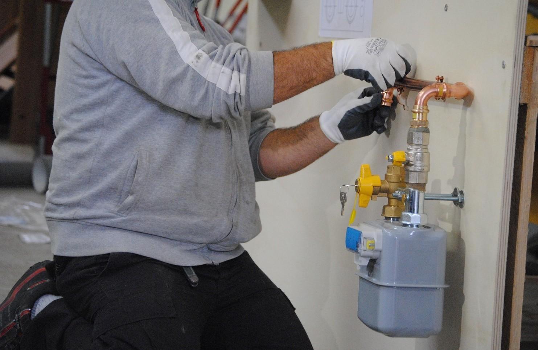 Installazione contatore gas e allaccio chi deve farlo e pagare tra inquilino e proprietario casa
