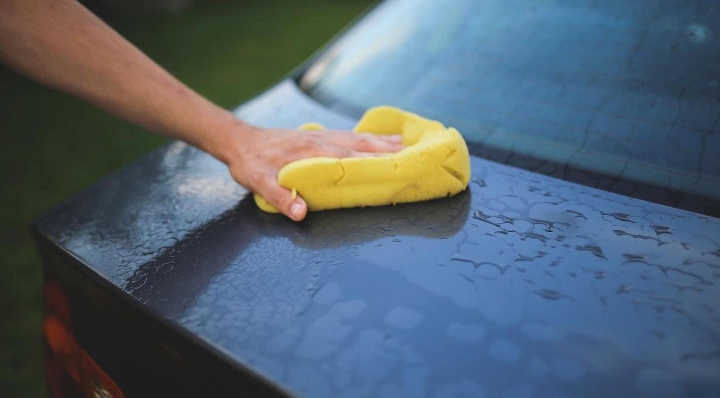 Lavare l'auto in condominio con acqua condominiale. Regole vigenti e se si può fare o no