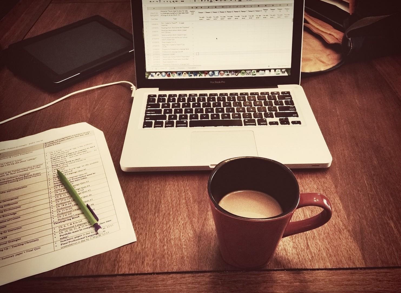 Lavorare da casa: pro e contro del lavoro da casa
