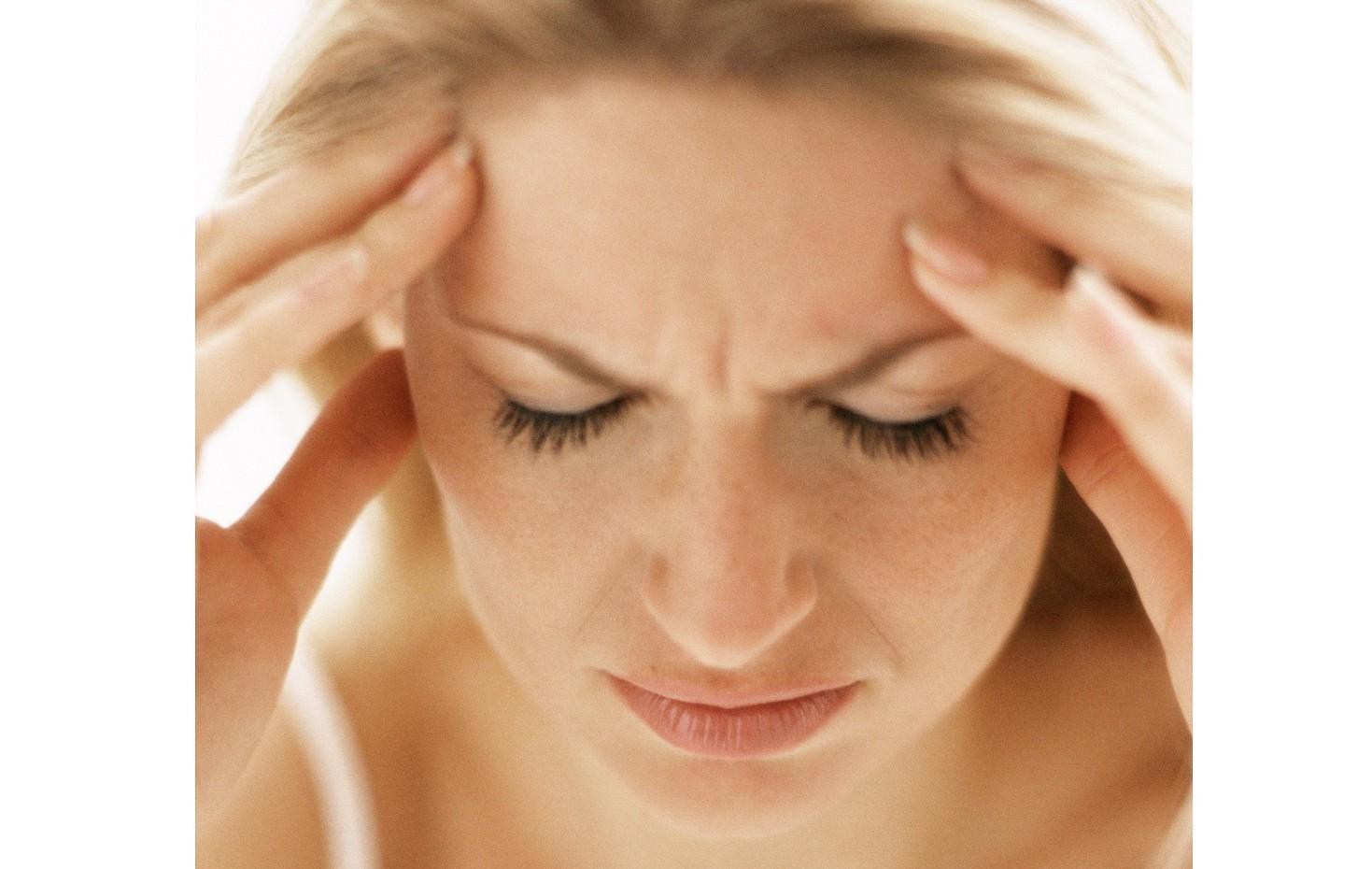 Mal di testa, permessi da lavoro o malattia. Quando, in quali casi si possono avere