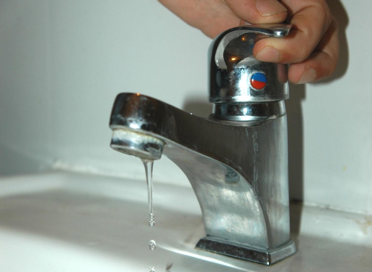 Mancato pagamento bolletta acqua, dopo quanto scatta blocco erogazione. Nuove leggi 2020