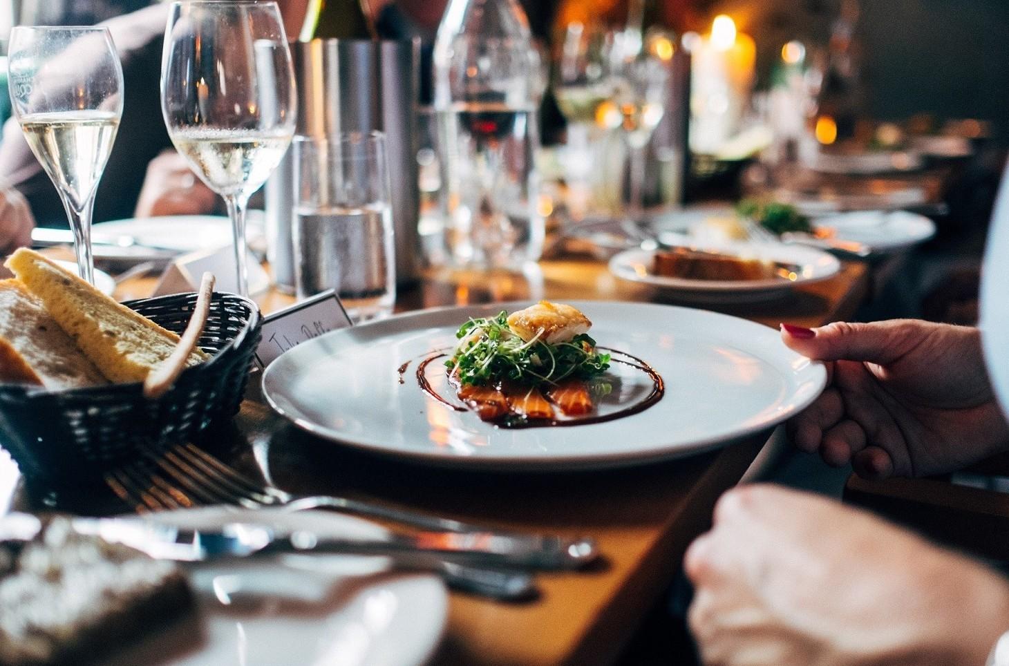 Non pagare il conto al ristorante, quando si può fare ed è legale