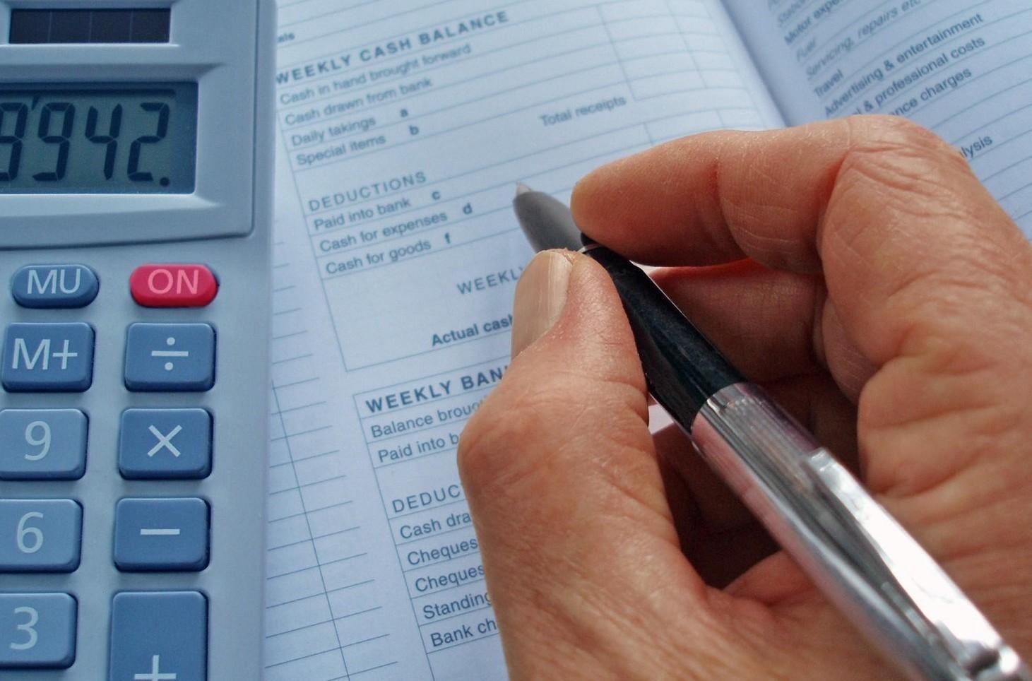 Paga base e indennità di contingenza in busta paga. Cos'è, calcolo, tabelle