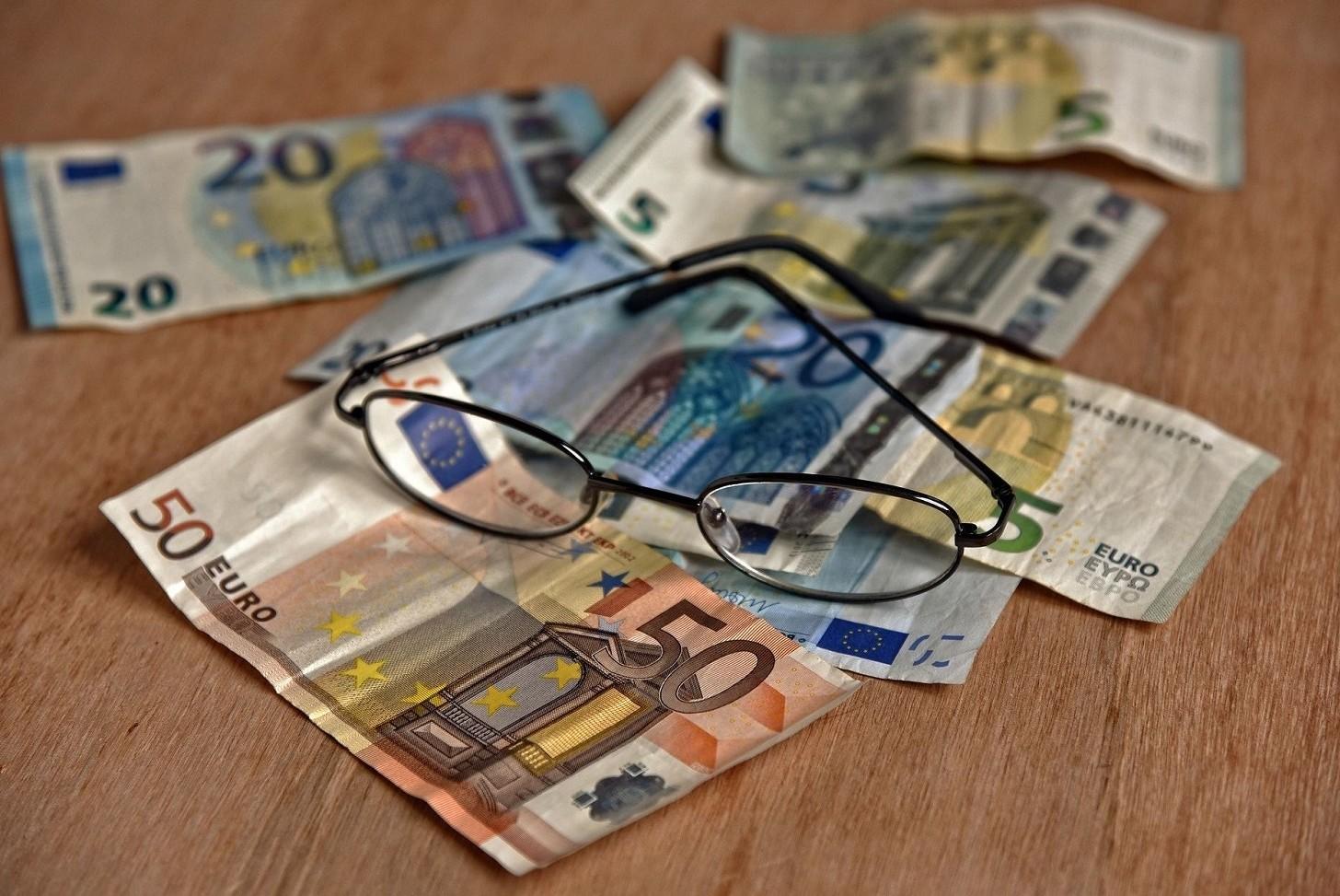 Pagare una fattura in contanti si può fare o no e fino a quale limite importo