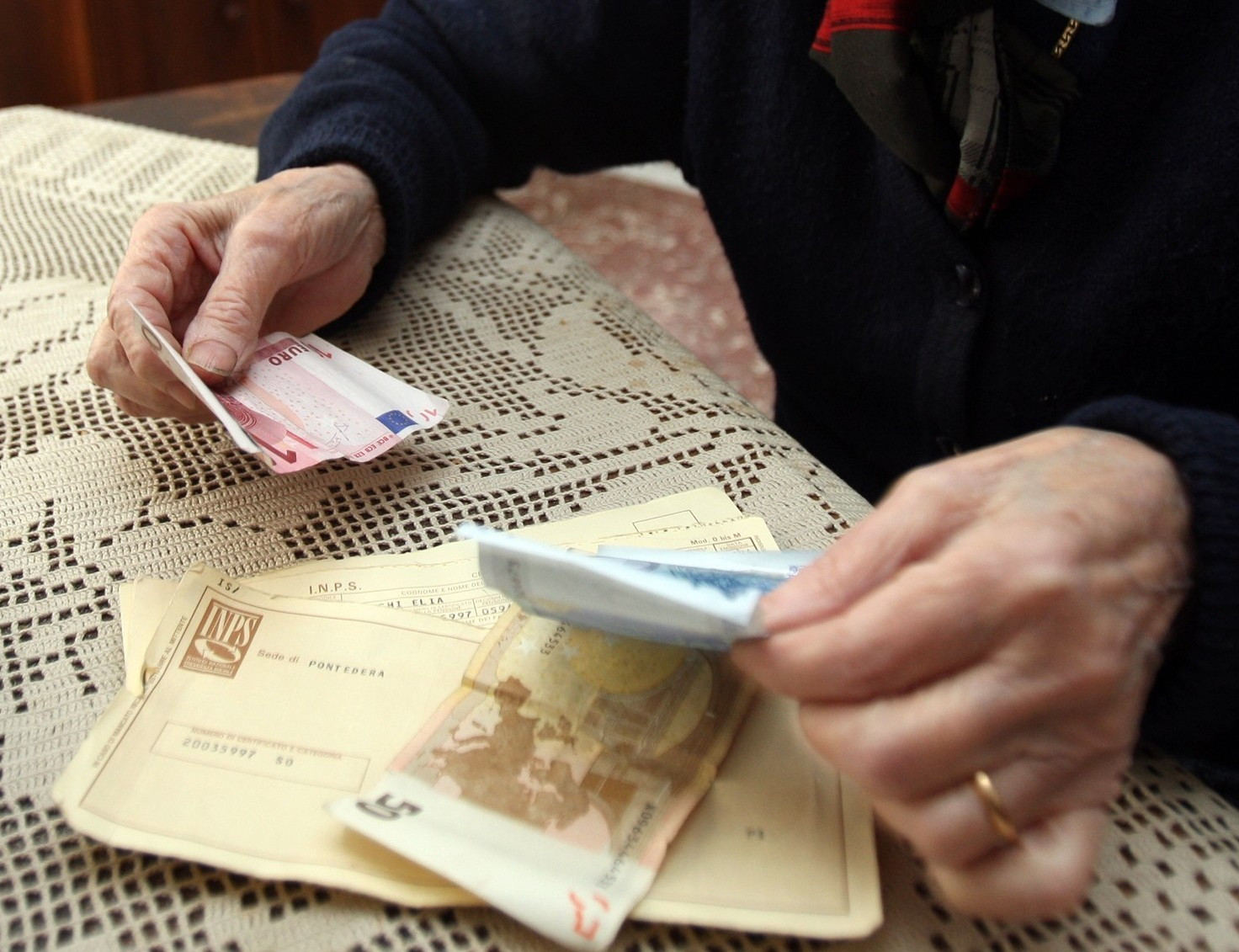 Pensione sociale: requisiti e importo dell'assegno sociale