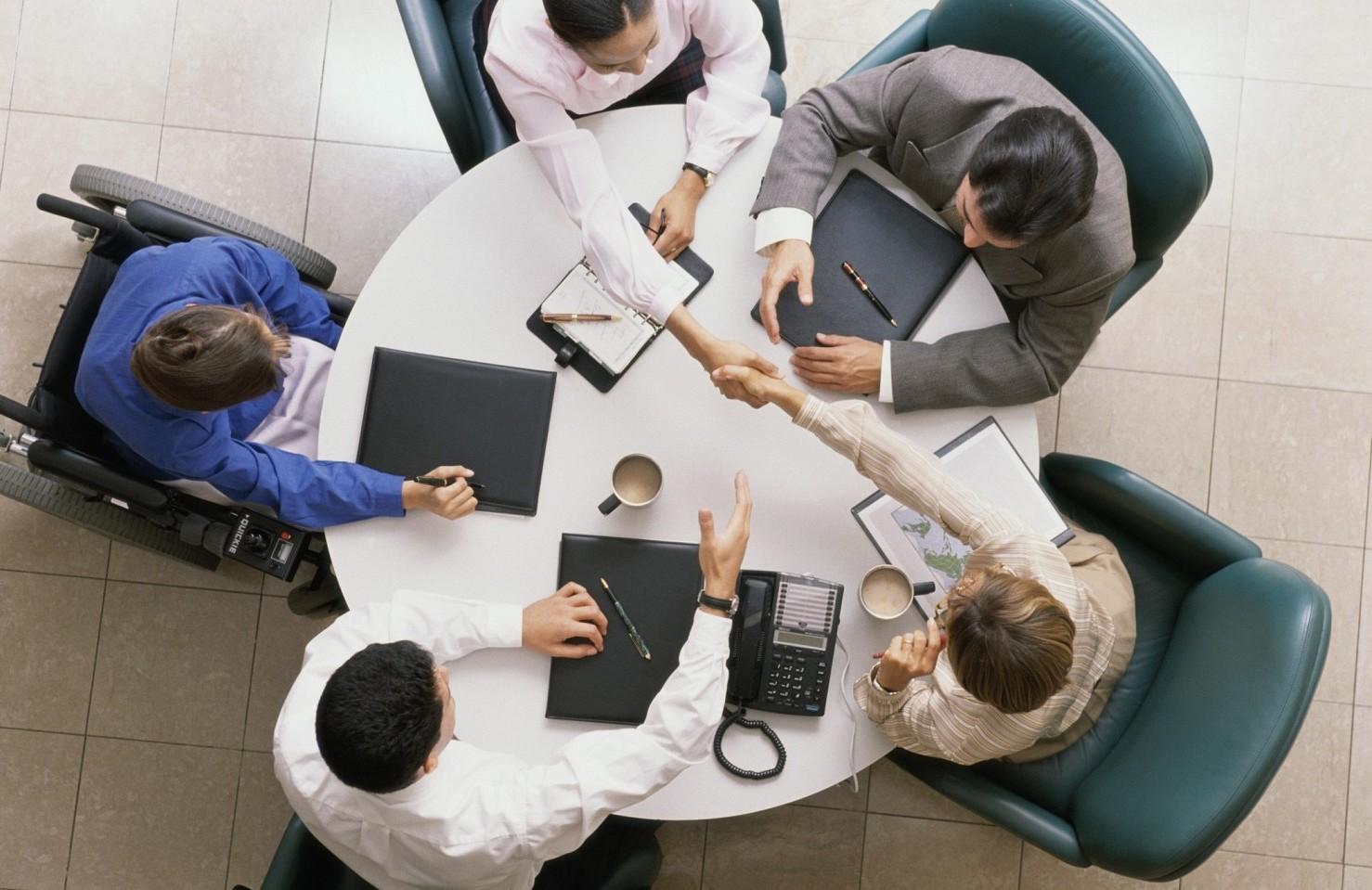 Periodo di prova stipendio, ferie, malattia, permessi, licenziamenti, dimissioni in contratto lavoro