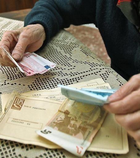 Pignoramento pensione per debiti: quali limiti ci sono?