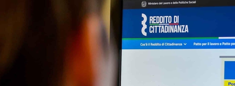 Reddito di cittadinanza 2020 come funziona rinnovo Isee. Leggi e regole ufficiali in vigore