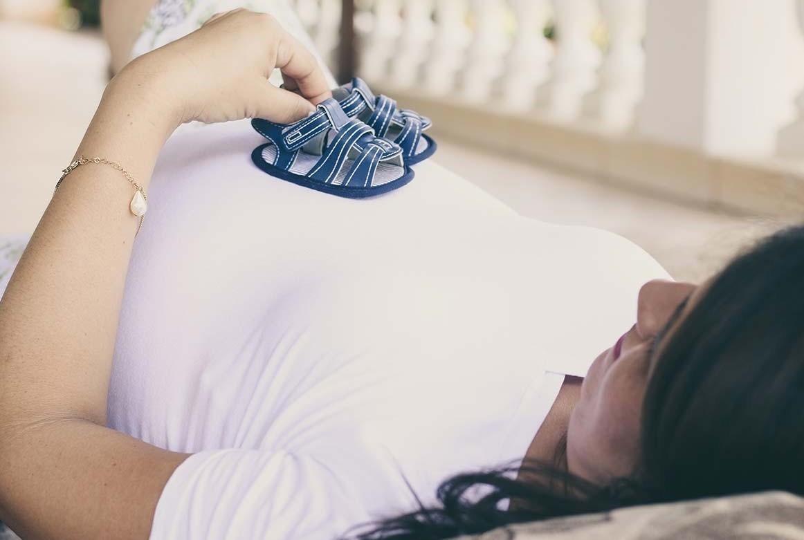 Retribuzione in maternità: come cambia lo stipendio?