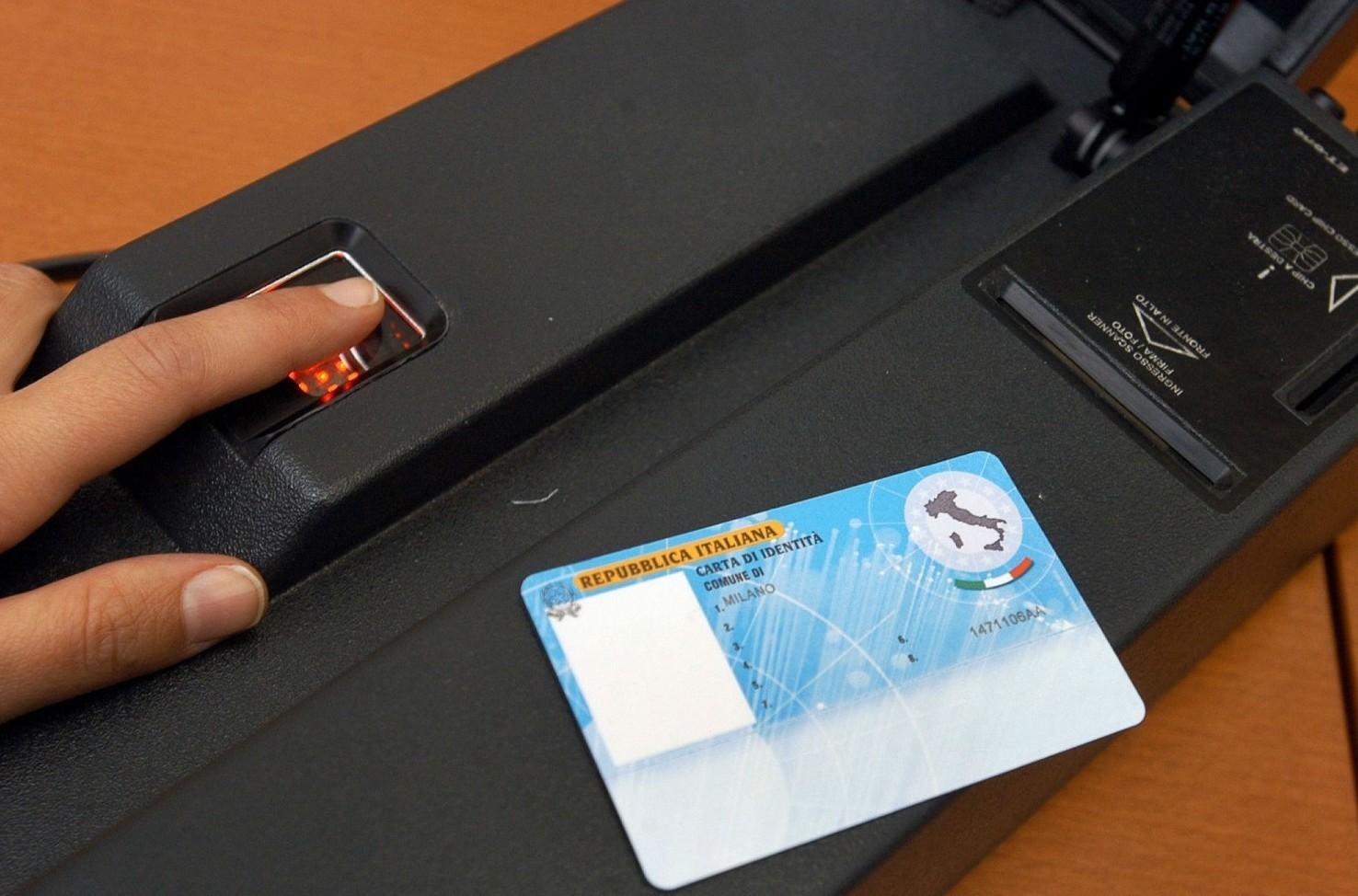 Ricevuta rilasciata in attesa di carta identità elettronica per cosa vale