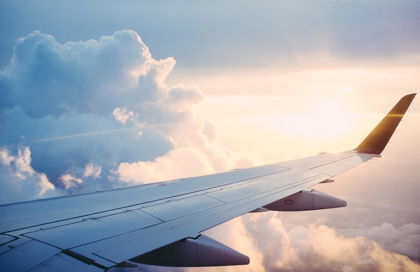 Rimborsi o voucher per i voli aerei annullati per coronavirus. Cosa si può richiedere per legge