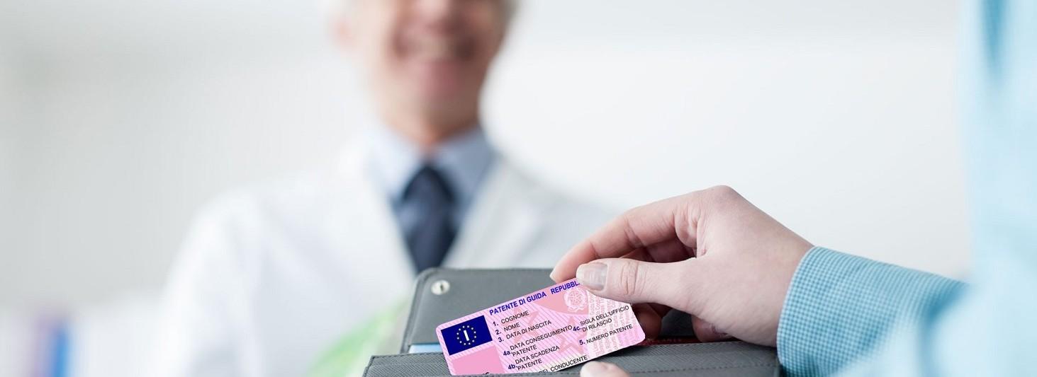 Rinnovo della patente scaduta: pratiche, costi, multe