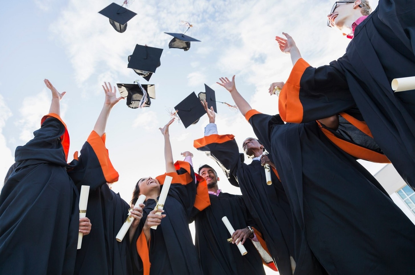 Riscatto laurea, conviene sì o no. I pro e contro