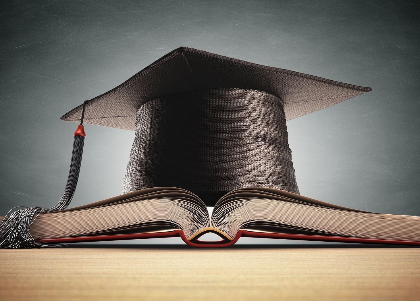 Riscatto laurea ordinario o agevolato per la pensione. Quale conviene
