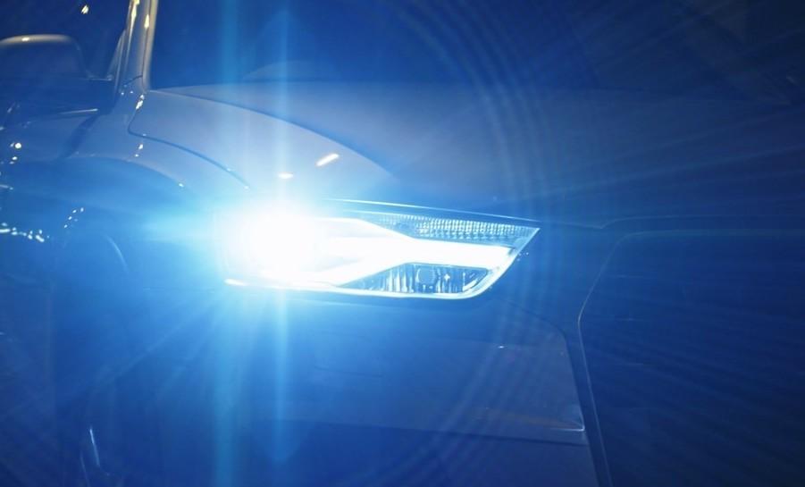 Tuning auto: i fari allo xeno sono legali?
