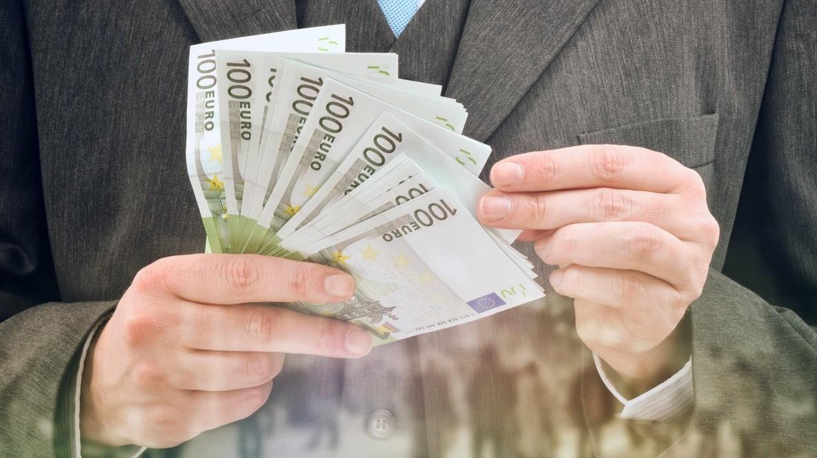 Fisco, versamenti e prelievi, oltre i 30