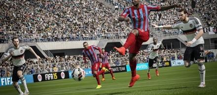 FIFA 15: problemi e bug, quando esce pat