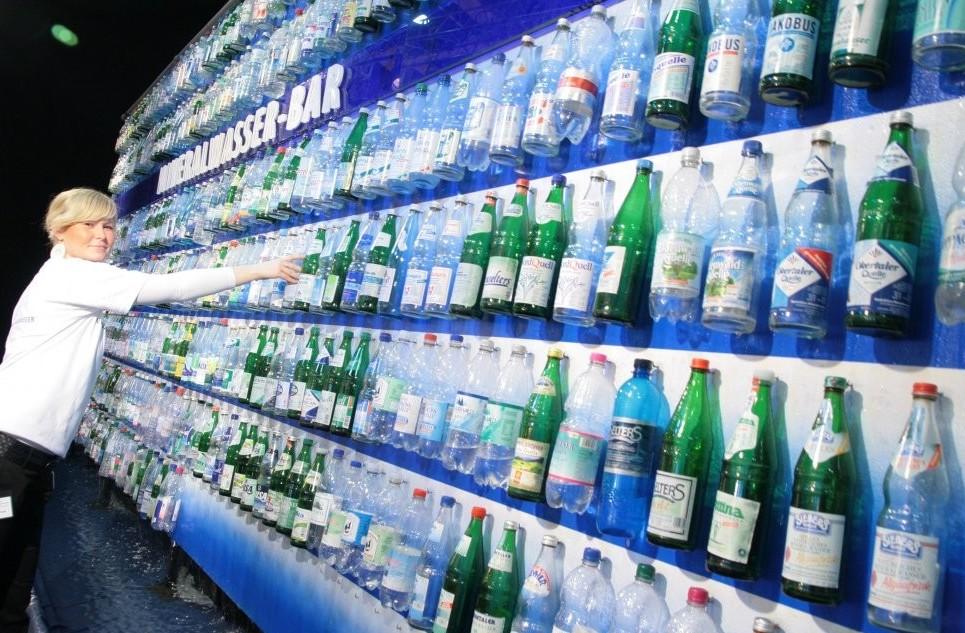 Bottiglie Acqua minerale, esorbitanti gu
