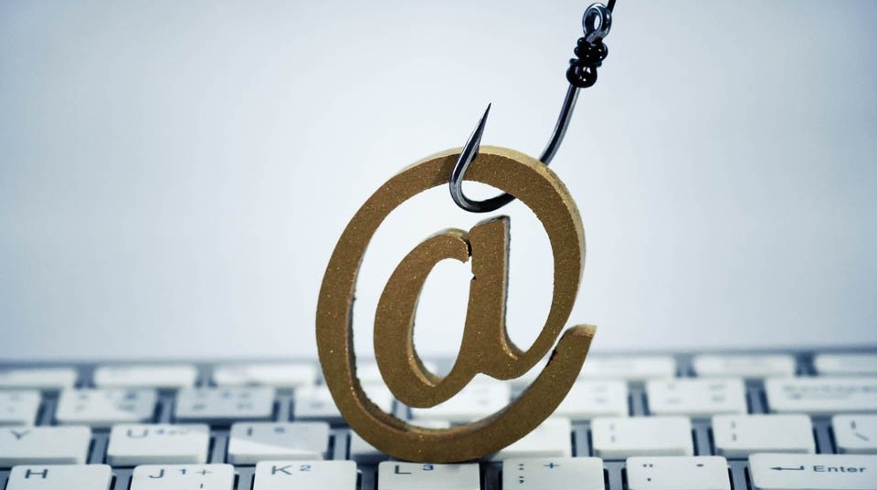 Agenzia Entrate e fisco: email finte tru