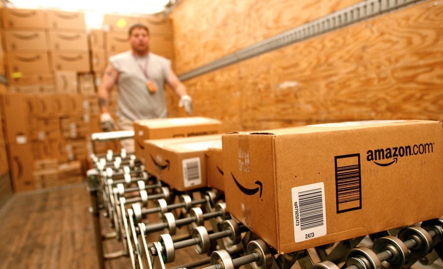 Amazon i dipendenti fanno pipì nelle bot