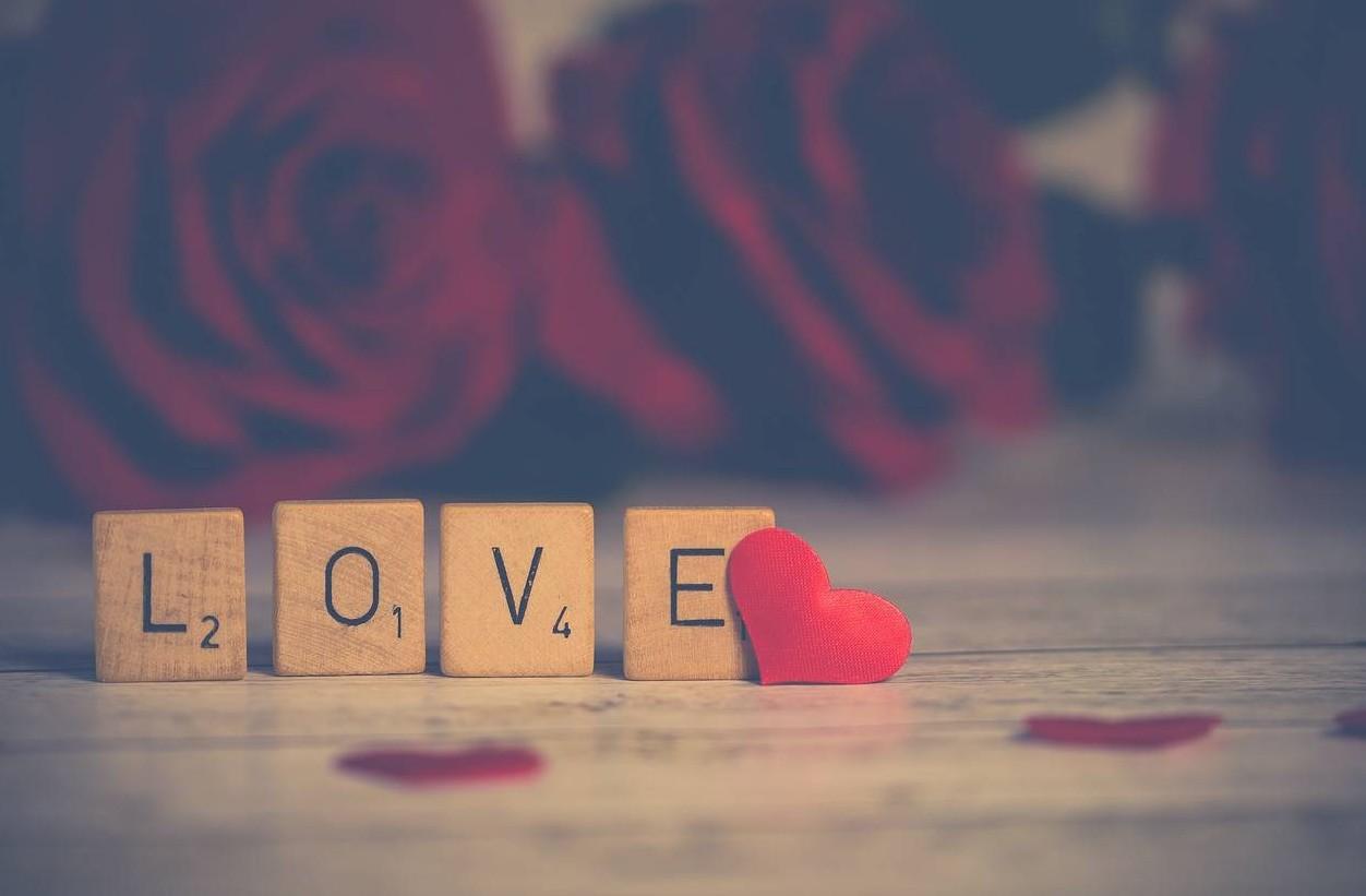 Auguri di San Valentino 2019 oggi frasi